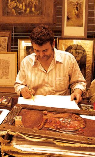 photo de godo illustrateur sur son stand