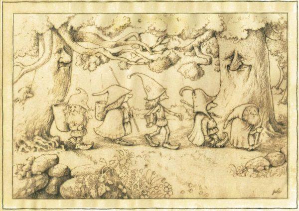 illustration, représentant une bande de gnomes marchant en file indienne dans la forêt. De grands arbres axu visages paisibles les regardent passer.